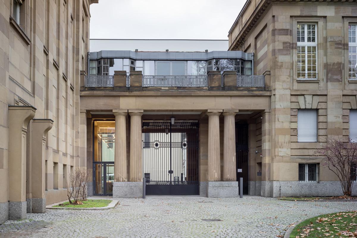 Staatstheater-Wuerttemberg_Bott_01.jpg